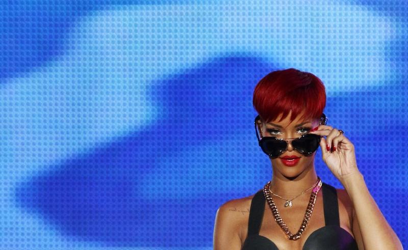 rihanna red hair wallpaper. rihanna red hair wallpaper