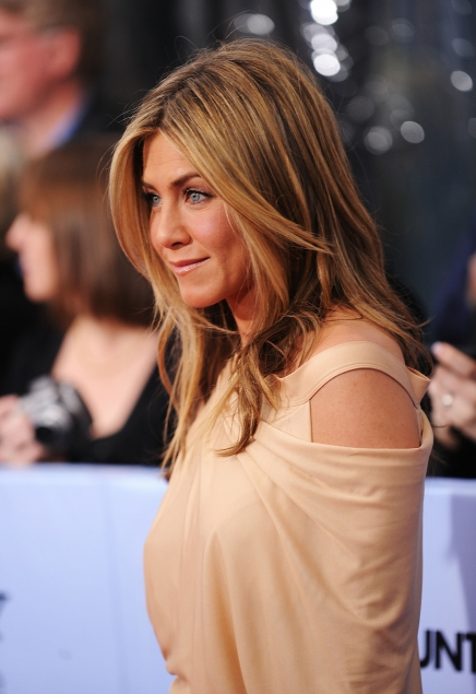 We Love Jennifer Aniston Topless From The Set Of Break Up