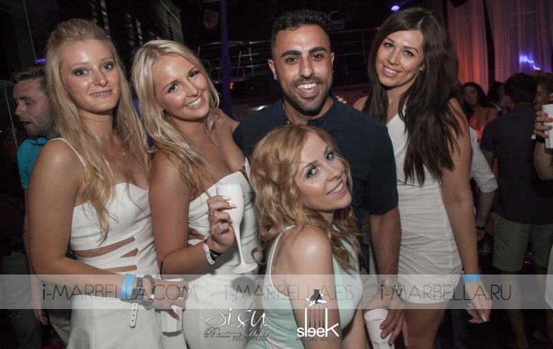 Miami White Party In Sleek Nightclub