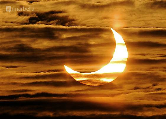 A Friday to Remember: Solar Eclipse, Supermoon, and Spring Equinox