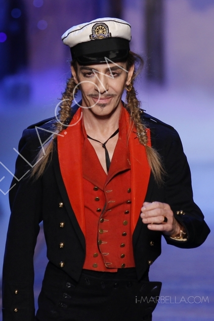 Galliano suspended by Dior