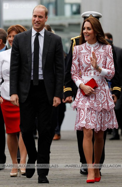 Duke and Duchess of Cambridge Touch Down in Vancouver