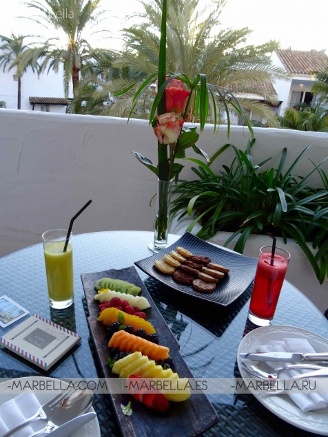 Andalusian Afternoon Tea at La Plaza and Sea Grill from 16:30 to 19h