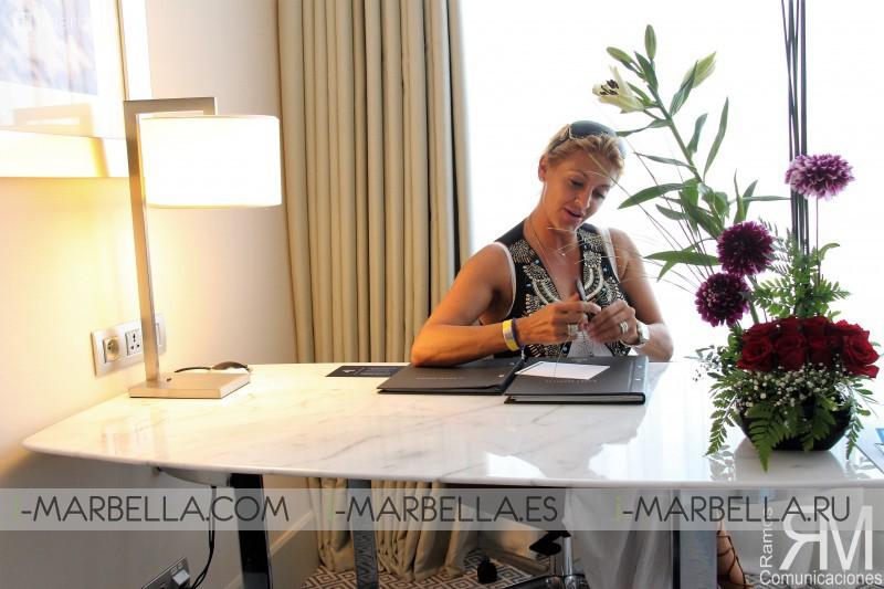 La actriz Ivonne Armant disfruta en la Ciudad de Tánger