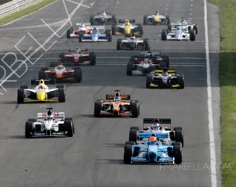 Klaas Zwart double win in BOSS GP at Donnington Park