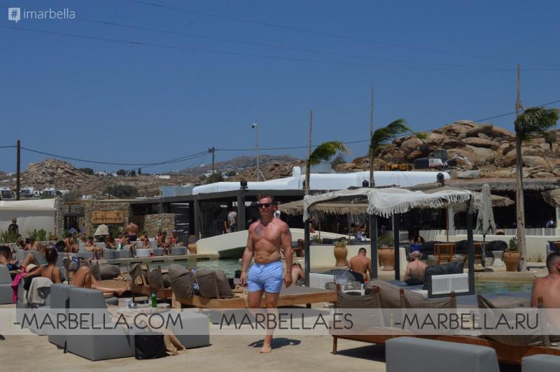 Annika Urm Blog: Mykonos fifty shades of white and blue