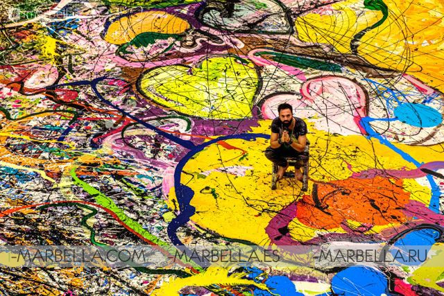 Maria Bravo support Artist Sacha Jafri to break Guinness Record as The Largest Art Canvas in the World & raise 30 million to charity