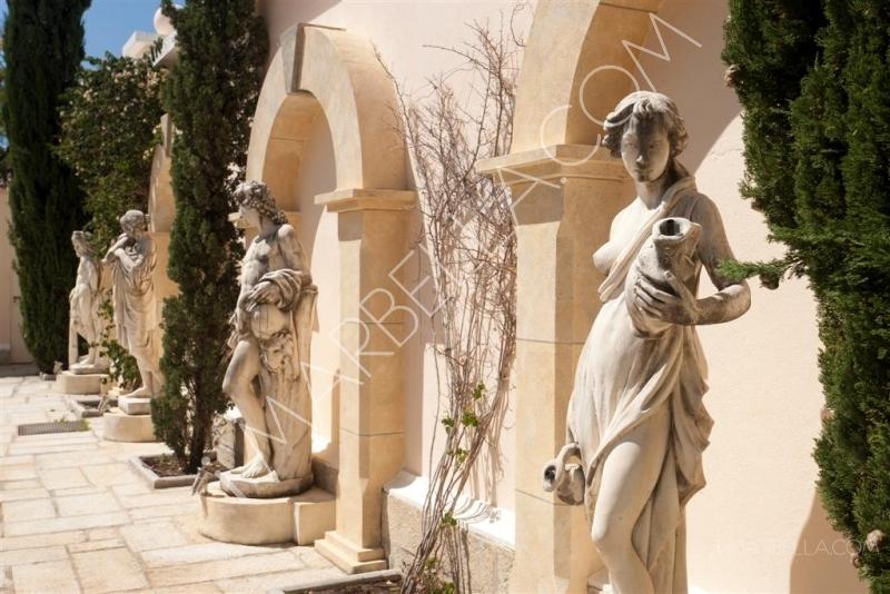 A Peek Into Luxury Villas on the Market in Marbella