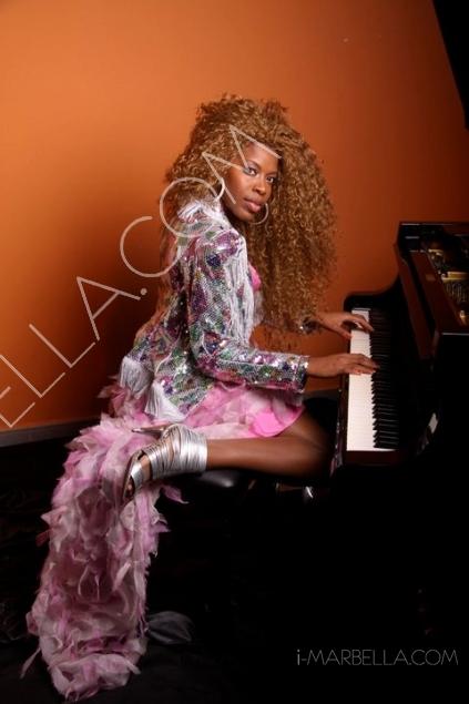 Fashion Police: Fabulous Singer Yanela Brooks