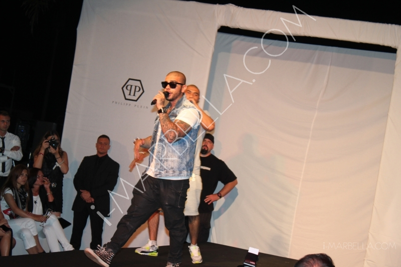 Surprise Performance by Timati in Puerto Banus!