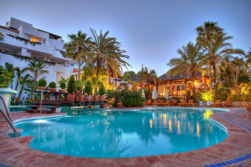 Hotel puente romano 5 gl marbella - Sea grill marbella ...